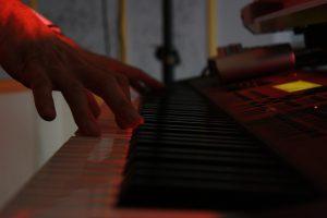 Piano - Pianiste . AMI.fr sur Saint Etienne